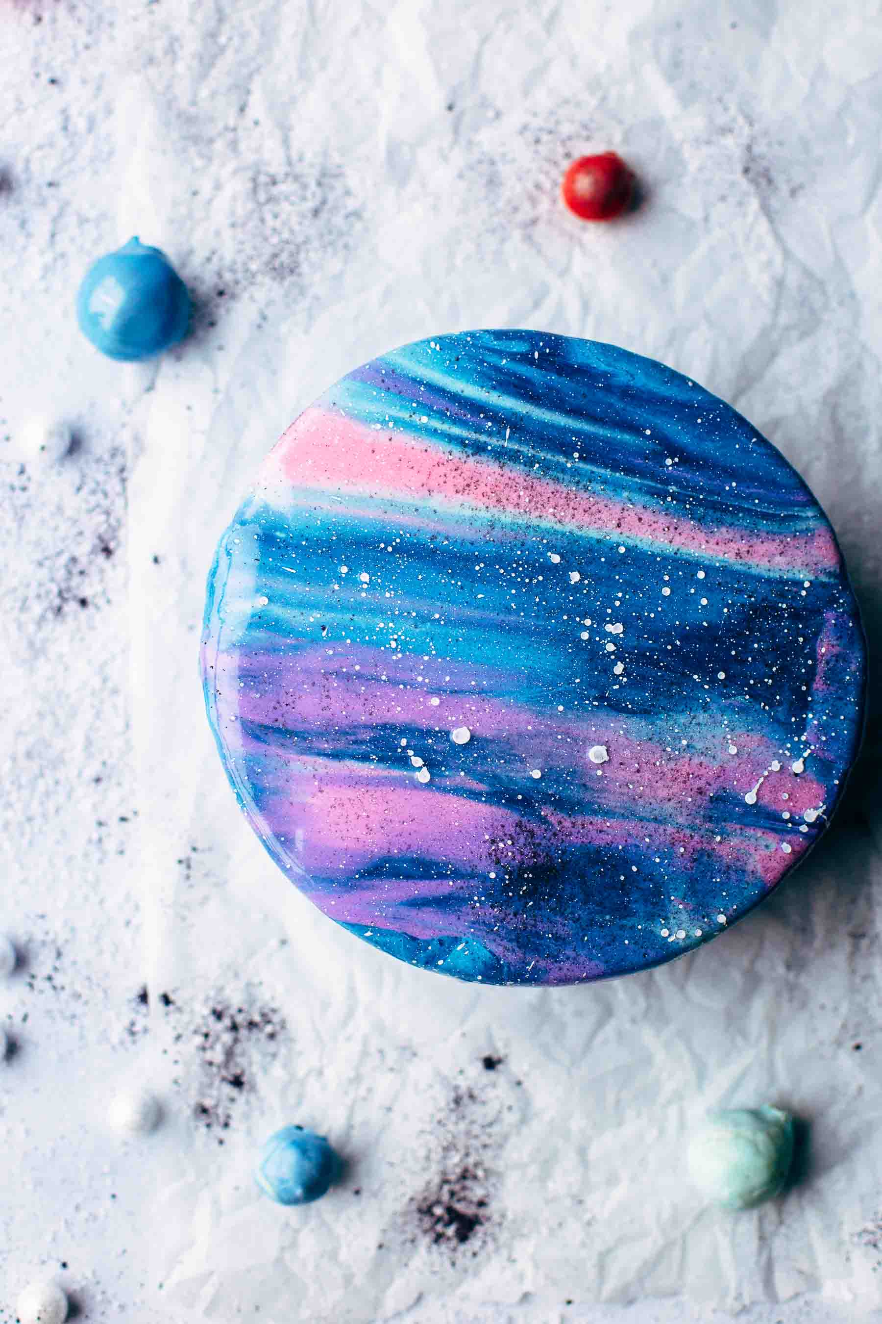 Mirror Glaze Galaxy Cake