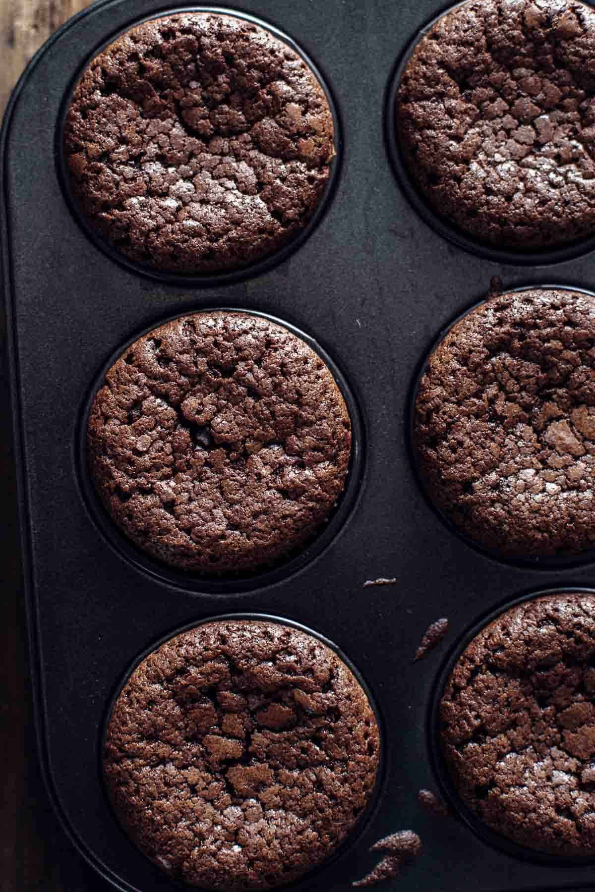 Baked Brownie Cupcakes in cupcakes pan