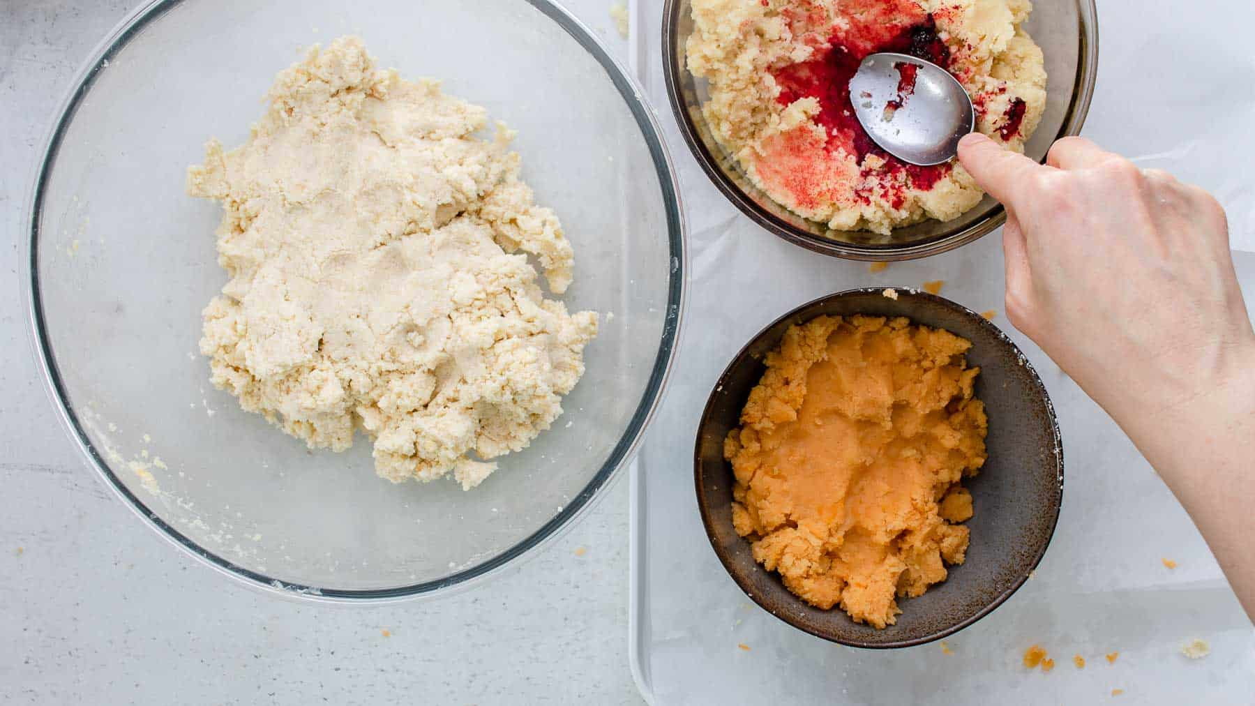 coloring cake crumbles with food coloring