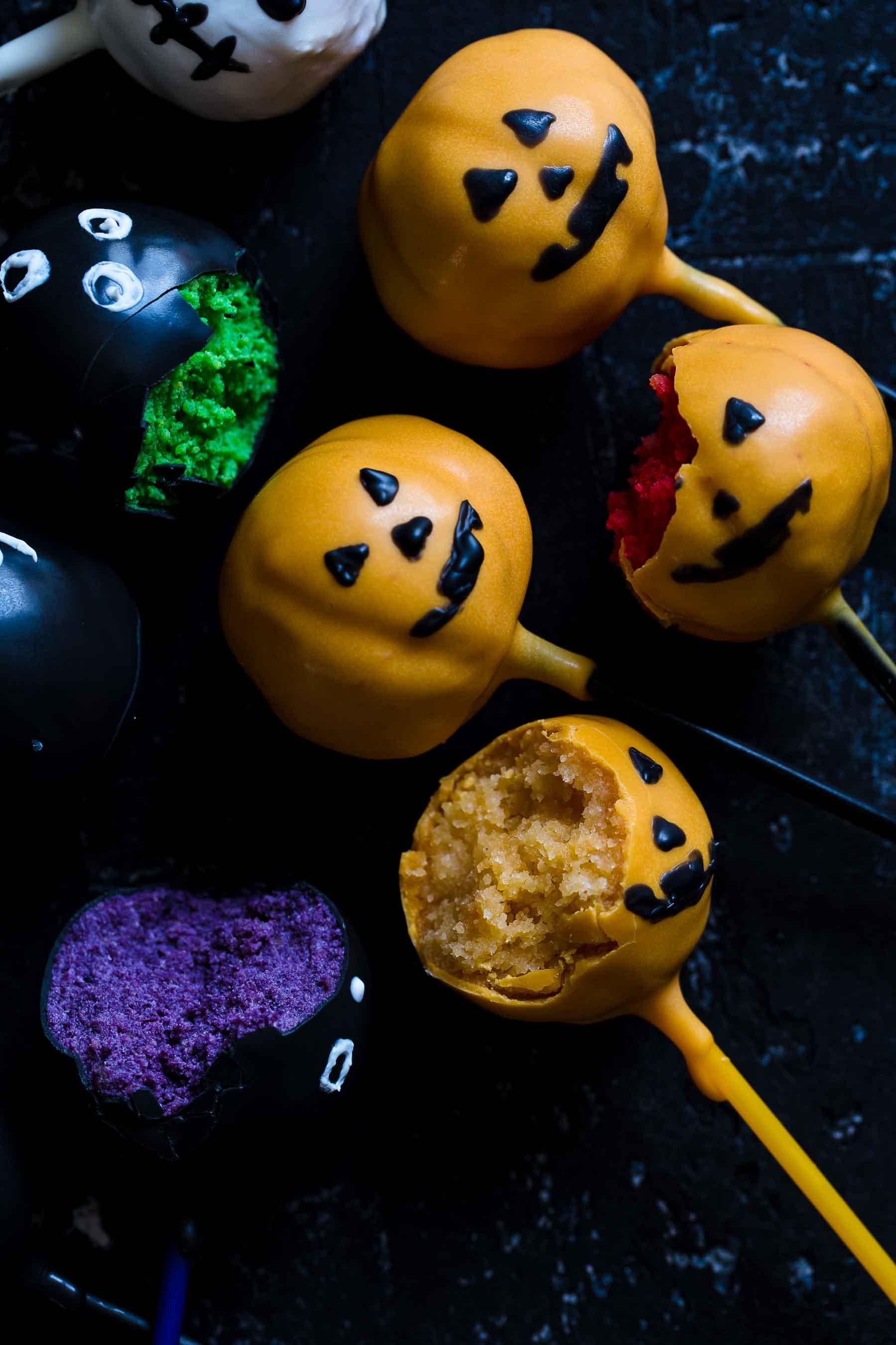 Halloween Vanilla Cake Pops