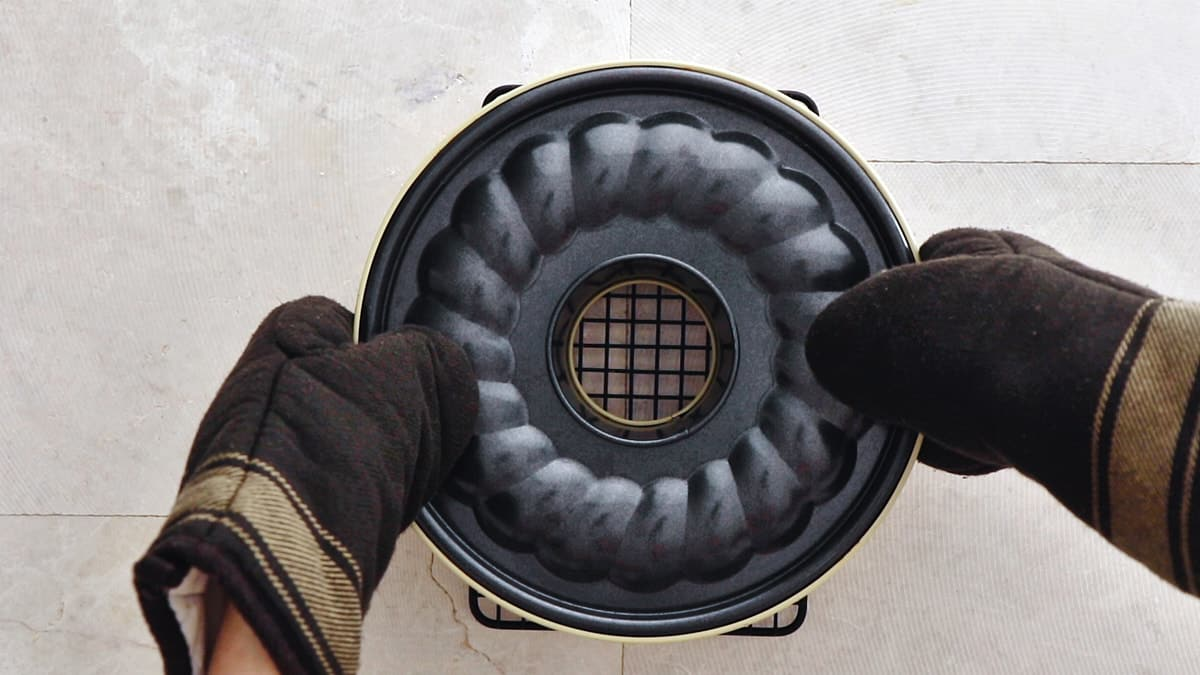 Invert the pan on a wire rack and let cool upside down