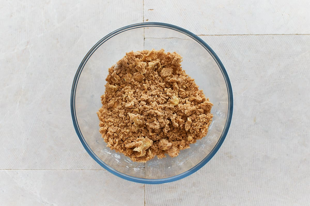 Processed crumb topping without walnuts in bowl