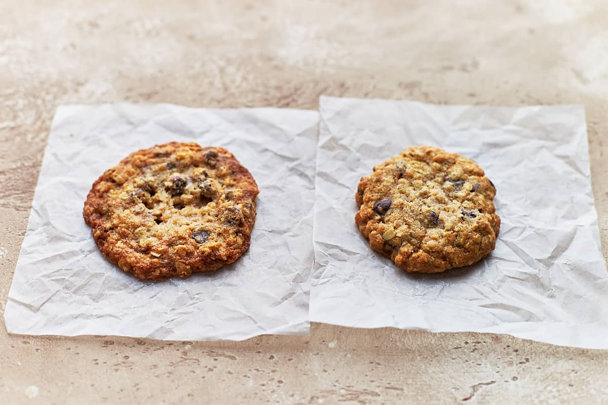 Side-by-side comparison of two cookies. Left was chilled and right wasn't.